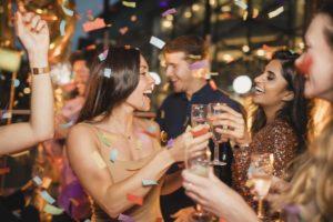 [:it]Abiti per le feste: ecco i capi più belli da acquistare per essere very cool [:]
