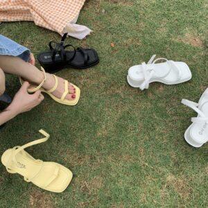 Sandalo con zeppa spring 2021